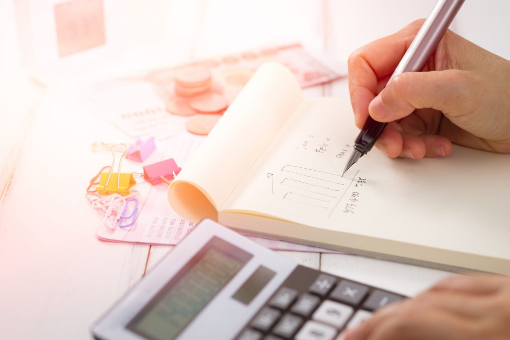 Calculating the value of homes with free home valuation estimates